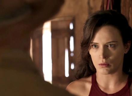 Clara tem ataque de fúria com Josafá