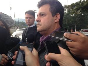 Delegado Fabio Pierry acompanha caso do acidente (Foto: João Paulo de Castro / G1)