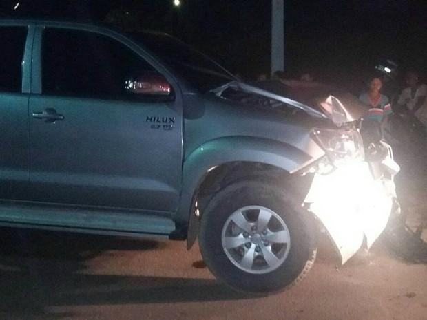 Hilux atropelou pedestres na noite desta quinta-feira (10) (Foto: Arquivo Pessoal)