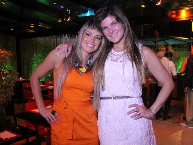 Ex-BBB Fani e Cristiana Oliveira em evento em restaurante na Zona Oeste do Rio (Foto: Rodrigo dos Anjos/ Ag. News)