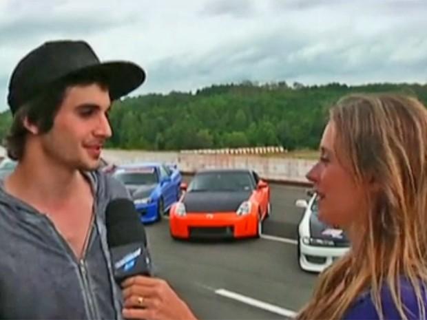 Fiuk leva Dani Monteiro para um passeio de carro (Foto: Vídeo Show / TV Globo)