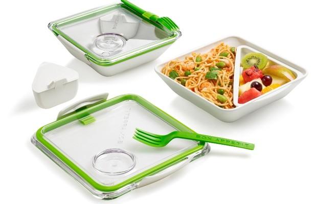 Lunchbox BOX APPETIT ( R$ 170,00), da Bento Store |  Recipiente interno permite dividir diferentes alimentos para que você possa esquentar uma refeição no microondas, mas manter os outros alimentos frios. Vem com talheres (Foto: Divulgação)