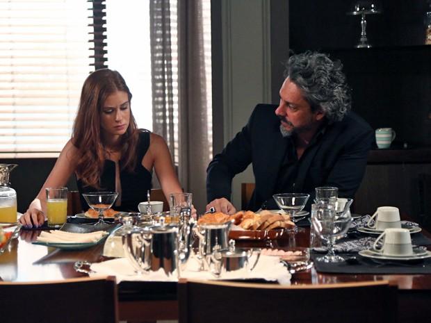 Isis diz que se sentiu mal com discussão entre Marta e José Alfredo (Foto: Raphael Dias/ Gshow)