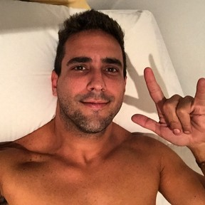 André Marques posa sem camisa (Foto: Instagram/ Reprodução)