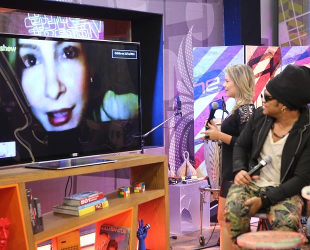 Fernanda revê recadinho de Claudia Leitte (Foto: Isabella Pinheiro/Gshow)