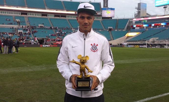Guerrero, Corinthians troféu MVP (Foto: Richard Souza)