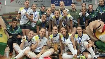 Vôlei Bauru perde do Praia Clube, mas é  campeão da Copa Bauru feminina