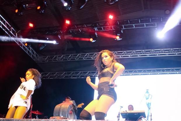 Anitta durante show em Florianópolis (Foto: Reni Sousa/Divulgação)