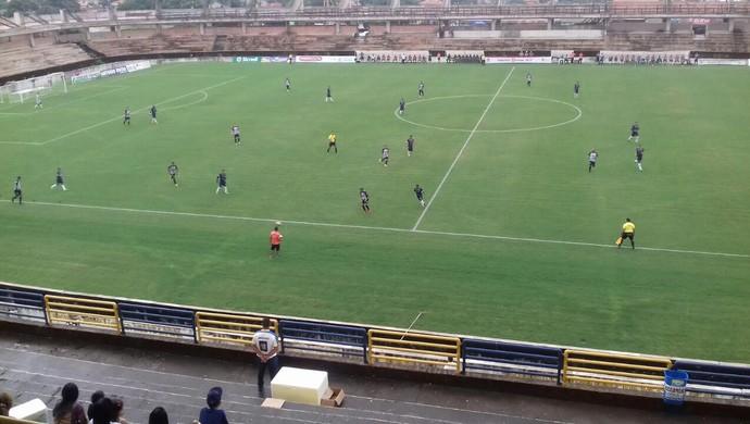 São Raimundo venceu clássico Rai-Fran por 2 a 0 neste domingo (Foto: Michael Douglas/GloboEsporte.com)
