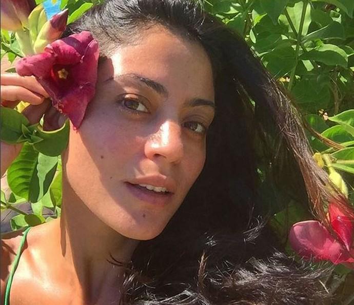 Carol Castro revela que está fazendo a sobrancelha por causa de 'Velho Chico' (Foto: Arquivo Pessoal)