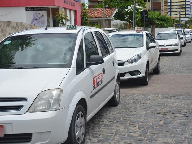 Ponto de taxi, no bairro de Manaíra, em João Pessoa, foi alvo de arrastão nesta terça-feira (29) (Foto: Walter Paparazzo/G1)