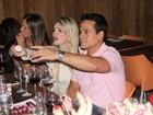 Bárbara Evans comemora aniversário com ex de Nívea Stelmann
