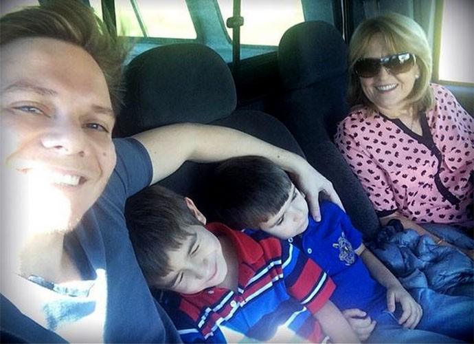 Teló com a mãe Nina e os sobrinhos (Foto: Arquivo Pessoal)