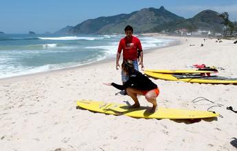 Quer aprender a surfar nesse verão? Veja preços e pacotes de aulas em AL