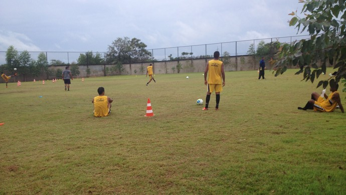 Copa Verde: setor ofensivo é principal duvida do técnico Minga do Santos-AP (Foto: Rafael Moreira/GE-AP)