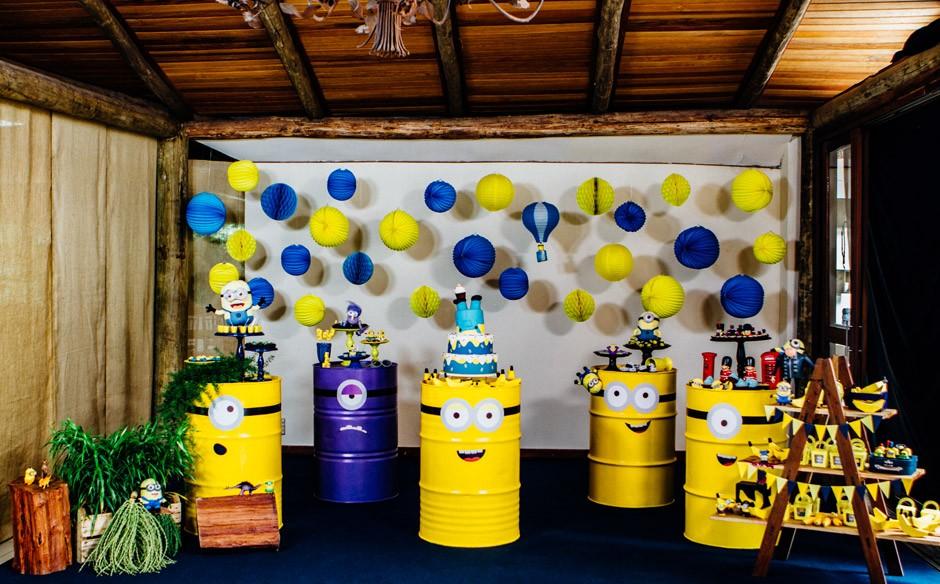 Festa Minions decoração com tambores