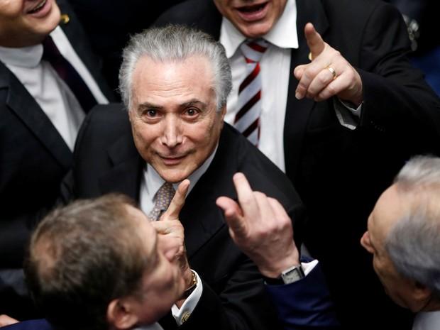 Michel Temer (c) é empossado presidente da República em cerimônia realizada noCongresso Nacional, em Brasília, nesta quarta-feira, 31, após a cassação de Dilma Rousseff   com a aprovação de 61 senadores.  (Foto: Ueslei Marcelino/Reuters)