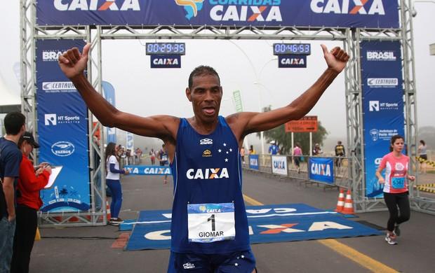 Giomar corrida de rua (Foto: Luiz Doro / Adorofoto)