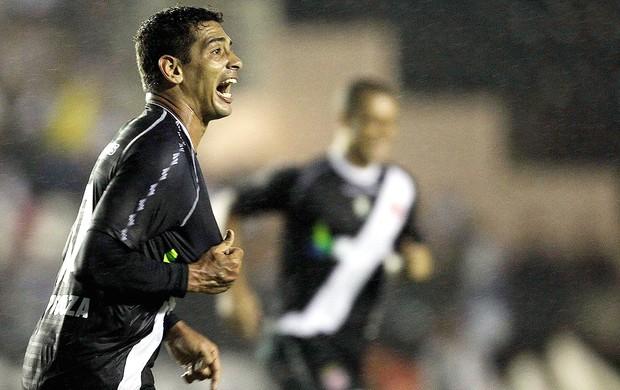 Diego Souza, Vasco x Lanús (Foto: Alexandre Cassiano / Agência O Globo)