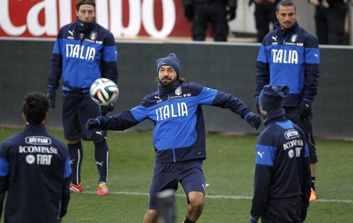 treino Itália Pirlo (Foto: EFE)
