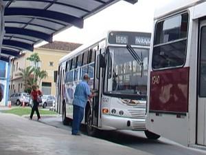 Transporte coletivo em Araxá, MG, passa de R$ 2,40 para R$ 2,65 (Foto: Reprodução/TV Integração)