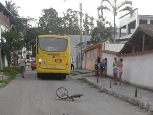 Adolescente de 12 anos morre após ser atropelado em Guarapari  (Foto: Internauta)
