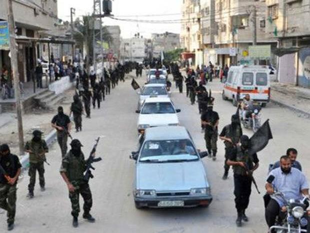 Parada é usada por grupo radical palestino para exibir poderio bélico (Foto: BBC/Brigada Al Quds)