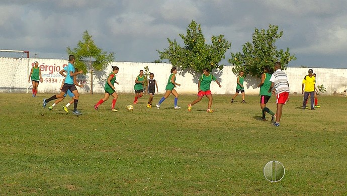 Treino Monte Líbano - Campeonato Potiguar de Futebol Feminino RN (Foto: Reprodução/Inter TV Cabugi)