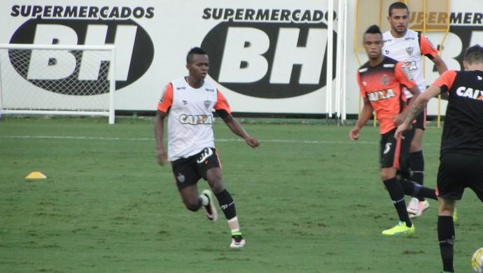 Cazares, meia do Atlético-MG (Foto: Fernando Martins Y Miguel)