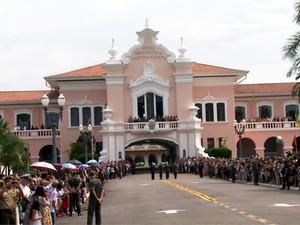 Recepção de novos alunos na Escola Preparatória de Cadetes de Campinas (EsPCEx) (Foto: Reprodução EPTV)