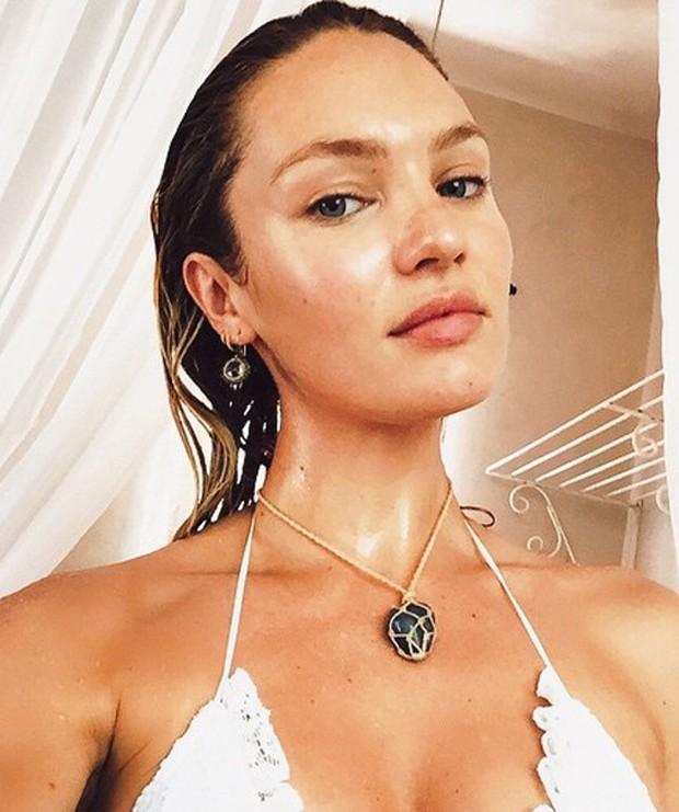 Candice Swanepoel sem maquiagem (Foto: Reprodução)