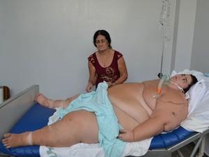jovem obeso Bahia Salvador 260 kg (Foto: Ed Santos/Acorda Cidade)