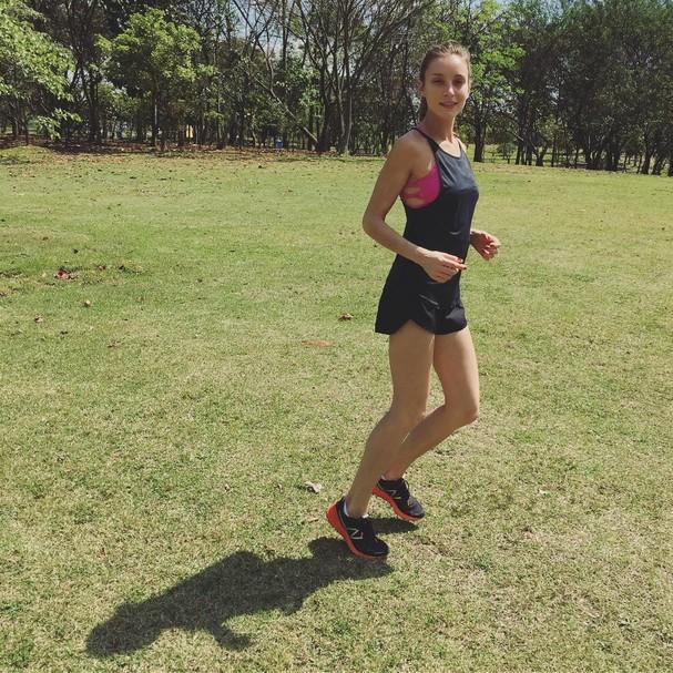 A top e corredora Isabel Hickmann (Foto: Instagram/Reprodução)