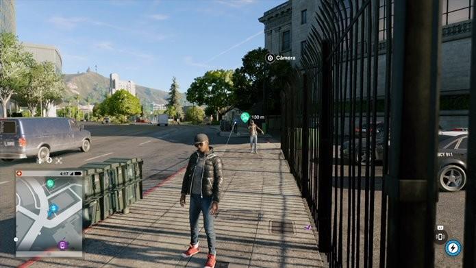 Veículos são deixados a poucos metros do protagonista de Watch Dogs 2 (Foto: Reprodução/Felipe Demartini)