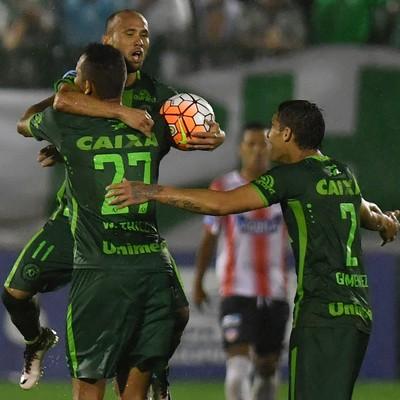 Ananias Chapecoense x Junior Barranquilla (Foto: NELSON ALMEIDA/AFP)