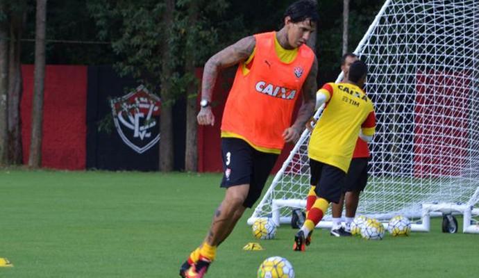 Victor Ramos treino do Vitória (Foto: Francisco Galvão / Divulgação / E.C. Vitória)