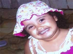 A menina Jhenifer Eduarda de Souza foi diagnosticada com estomatite.  (Foto: Reprodução EPTV)