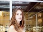 Carol Francischini mostra boa forma em fotos de biquíni após dar à luz