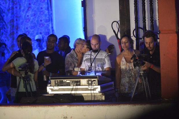 Caetano Veloso beija muito em show em Salvador (Foto: Fábio Martins e Andre Muzzel/Ag News)