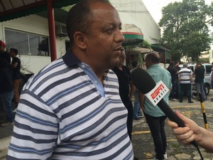 Carlos Miranda, treinador da equipe sub-17 da Portuguesa,  (Foto: Vivian Reis/G1)