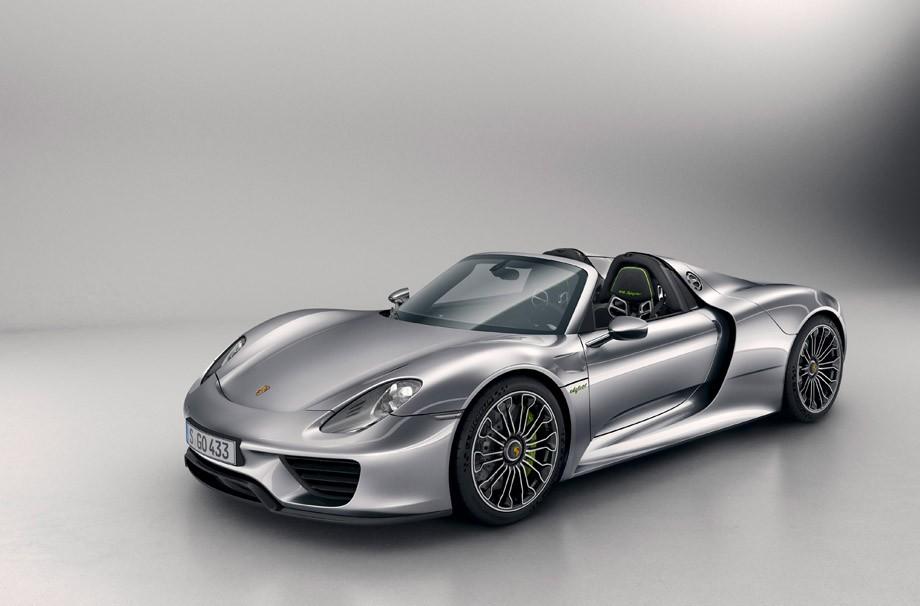 Entre os superesportivos, porém, o maior destaque foi para o aguardado Porsche 918 Spyder, que há três anos vem sendo anunciado pela Porsche.  (Foto: divulgação)