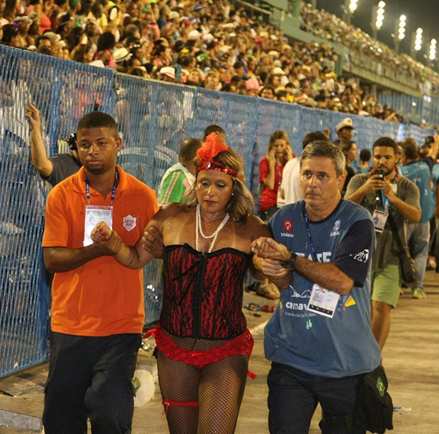 Acidente da Unidos da Tijuca deixa feridos em desfile (Foto: Sergio Gallo/ Ed. Globo)