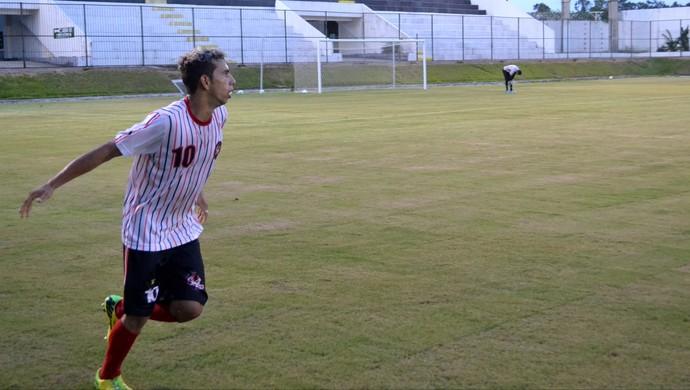 Fabrício marcou o gol da vitória no jogo-treino contra o ABC, no Frasqueirão (Foto: Jocaff Souza/GloboEsporte.com)