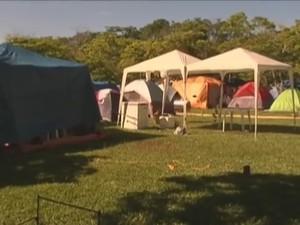 famílias preferem descansar no durante o carnaval  (Foto: Reprodução Inter Tv dos Vales)