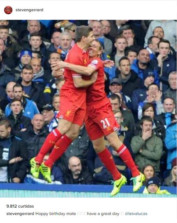 BLOG: Lenda do Liverpool, Gerrard parabeniza Lucas Leiva por aniversário