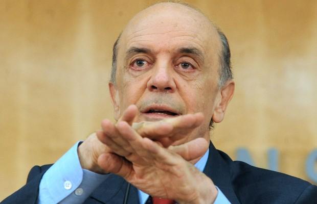 Plano de Serra para fechar embaixadas sofre resistência no Itamaraty