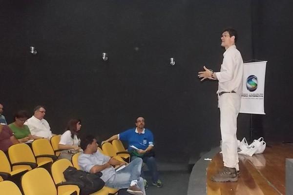 Reunião de capacitação para o Dia Mundial de Limpeza (Foto: Divulgação TV Rio Sul)