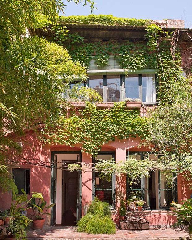 Vicky 39 s home una casa con patio en barcelona a - Casas de campo restauradas ...