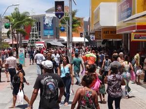 Movimentaçãofoi intensa na manhã desta sexta-feira(27), no centro de Maceió (Foto: Marcio Chagas/G1)