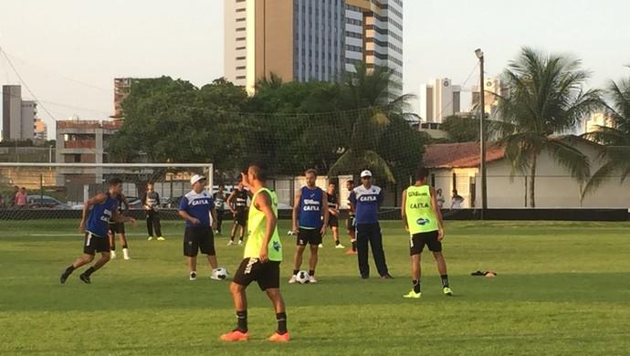 ABC Narciso comanda treino no CT do ABC, nesta quinta-feira (Foto: Andrei Torres/Divulgação)